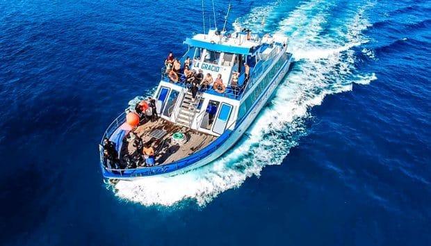 barco buceo la graciosa en Lanzarote